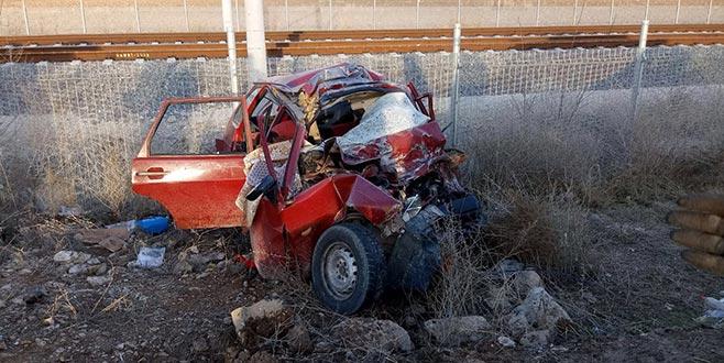Otomobil kamyonla çarpıştı: Aynı aileden 4 kişi öldü