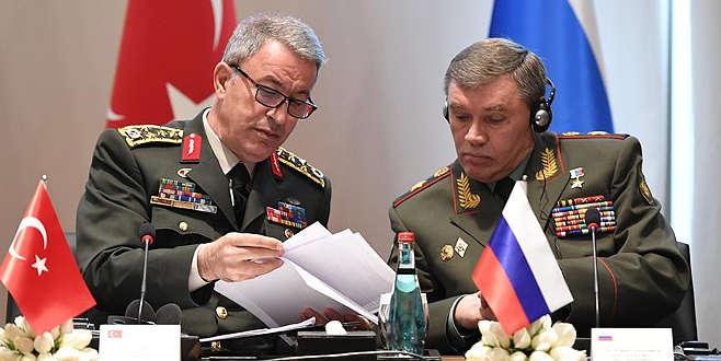 Orgeneral Akar'dan Rusya'ya kritik ziyaret
