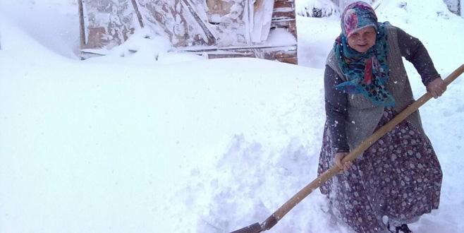 Bursa'da yüksek kesimlere kar yağdı