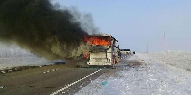 Yolcu otobüsü yandı: 52 ölü
