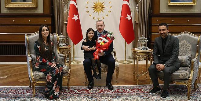 Erdoğan, kendisiyle görüşemediği için ağlayan Irmak'ı kabul etti