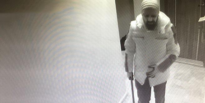 Takma sakal takıp çalıştığı iş yerini soydu