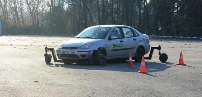 Nilüfer Belediyesi personeline güvenli sürüş eğitimi