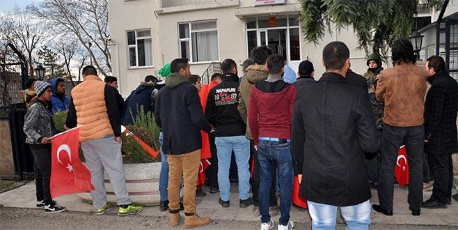 Romanlardan 'Zeytin Dalı Harekatı' için gönüllü askerlik müracaatı
