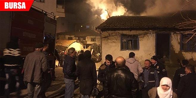 Korkutan yangın! Mahalleli büyük panik yaşadı
