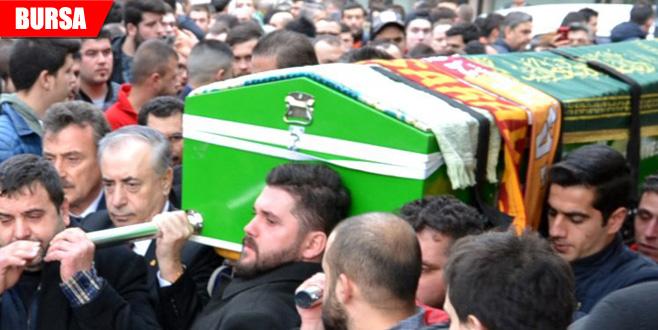 Aytaç'ı binlerce seveni uğurladı... Galatasaray Başkanı yalnız bırakmadı!