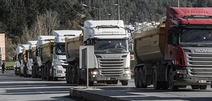 Kamyoncuların eylemi İstanbul trafiğini felç etti