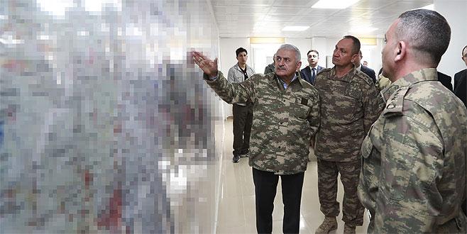 Başbakan Yıldırım Hatay'daki harekat merkezinde