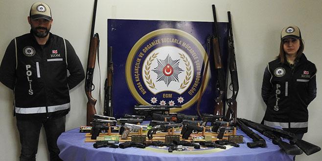 Bursa merkezli 'kaçak silah' operasyonu: 61 gözaltı