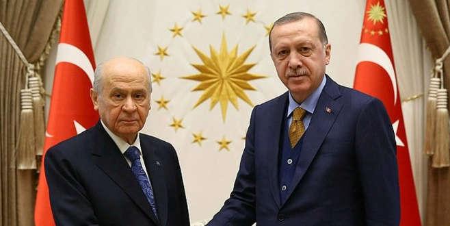 İttifak çalışmalarında Cumhurbaşkanı Erdoğan'a sunum