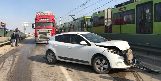 Bursa'da zincirleme kaza: Yaralılar var