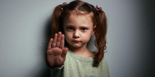 Tacizi çocuk anlatmıyor davranışlarıyla belli ediyor!