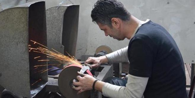 '300 çeşit bıçak üretiyoruz'
