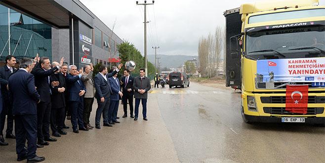 Bursa iş dünyası 6 TIR dolusu yardım malzemesini Kilis'e uğurladı