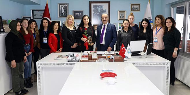 Türkyılmaz'dan kadın çalışanlara yarım gün izin