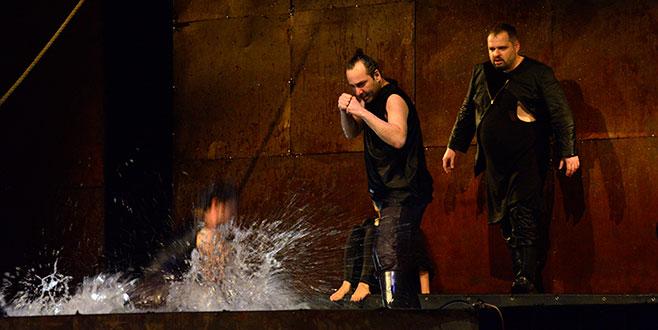 'Bursa Uluslararası Balkan Ülkeleri Tiyatro Festivali' başladı