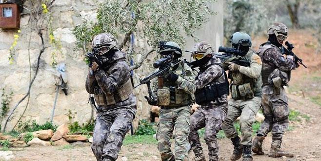 Afrin'de teröristlerin kara bağlantısı kesildi