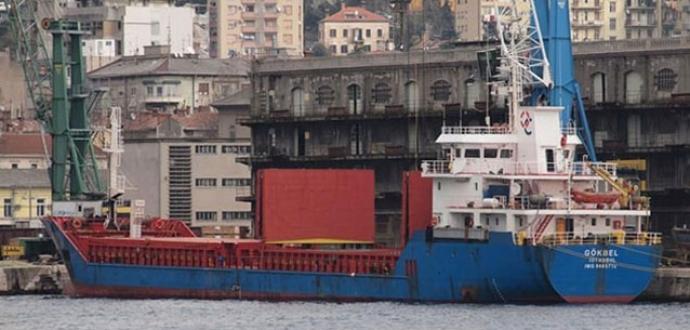 İtalya'da kaza yapan Türk gemisi battı