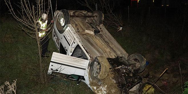 Araca 13 kişi sığdırdı, kaza yapınca kaçtı