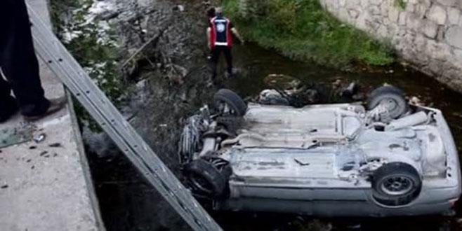 Polis aracı dereye uçtu: Şehit, yaralı ve kayıp var