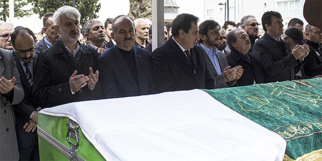 Bennur Karaburun'un babası son yolculuğuna uğurlandı