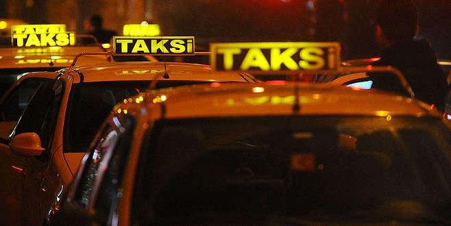 Kaçırıldığını sanıp taksiden atladı, ağır yaralandı