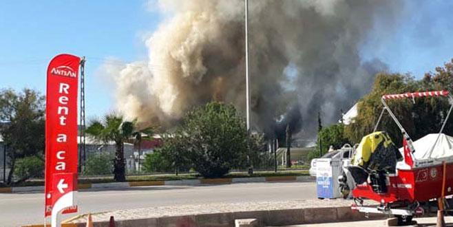 Antalya'da yat üretim merkezinde yangın