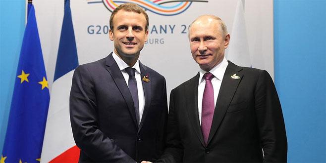Putin, Macron ile Suriye'yi görüştü