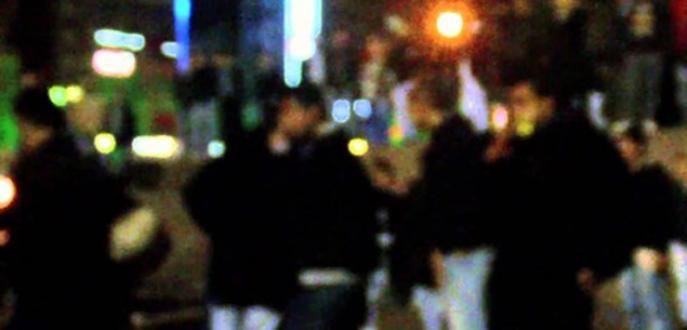 Taksim'de kozmopolit taciz! Iraklı gençler İranlı kızları...