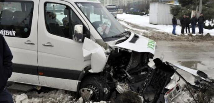 Bursa'da korkunç kaza: 1 ölü 3 yaralı