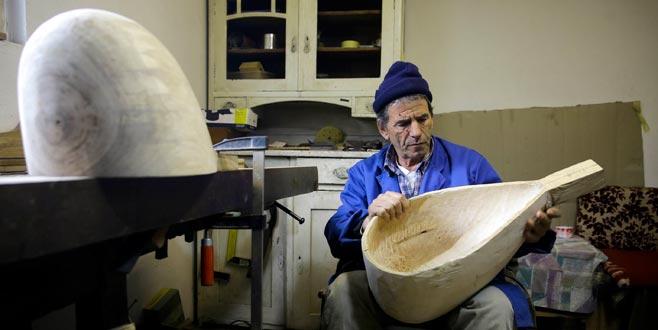 Boşnak Metiljevic 50 yıldır saz yapıyor