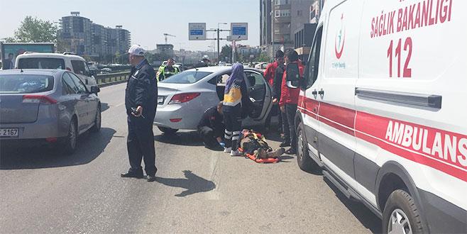 Çarptığı aracın sürücüsünü yaralı durumda bırakıp kaçtı