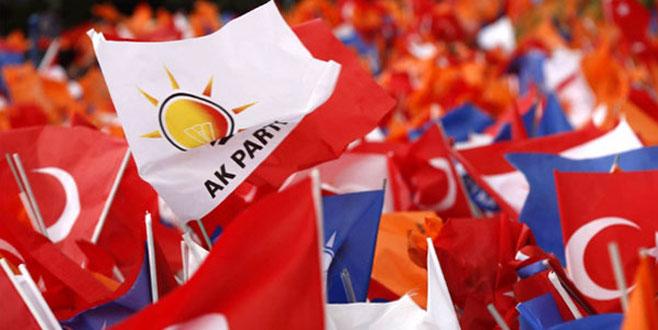 AK Partili siyasetçiler iki yoldan birini seçecek