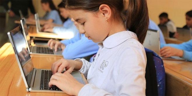 Bakan açıkladı: Öğrenciye tablet yerine...
