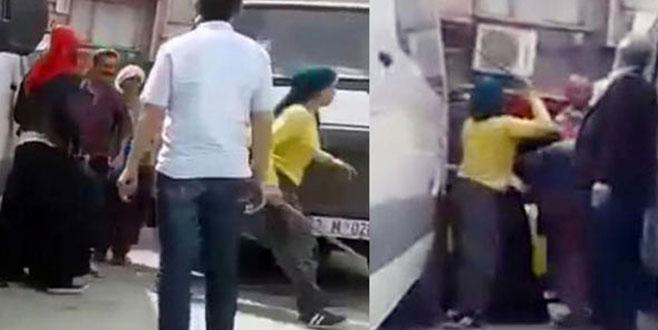 3 kadın, bir adamı sopa ve şemsiyeyle dövdü