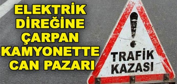 Bursa'da elektrik direğine çarpan kamyonet devrildi