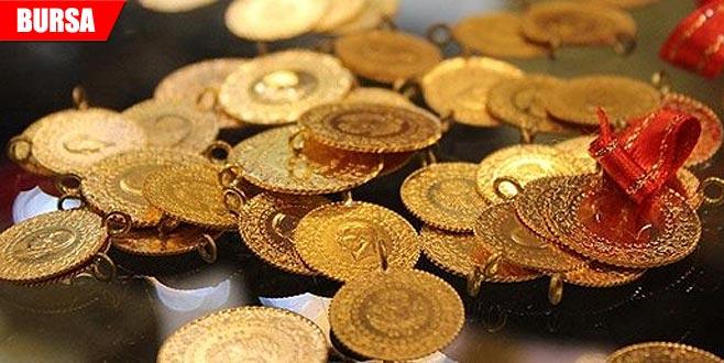 Çaldığı altınların parasını havaleyle ödedi