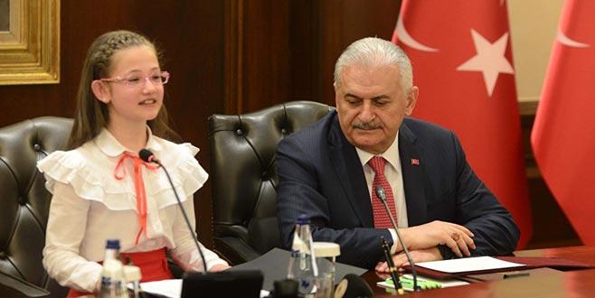 Çocuk Başbakan: Atatürk bu milleti bize emanet etti, halk en doğru olanı seçecektir
