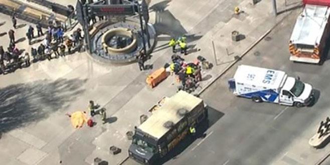 Toronto'da araç yayaların arasına daldı: 9 ölü, 16 yaralı