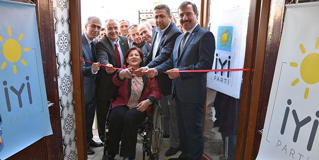 İYİ Parti Umurbey'de temsilcilik açtı