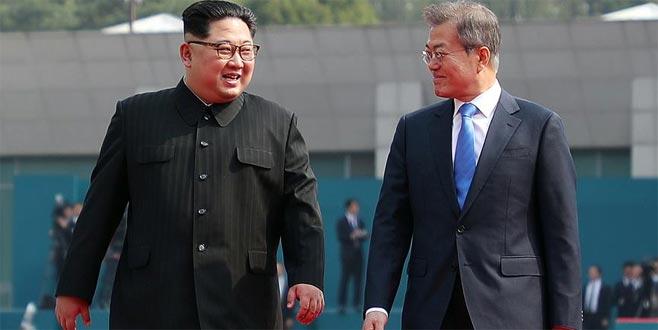 Tarihi zirve! Kuzey Kore ve Güney Kore liderleri bir araya geldi