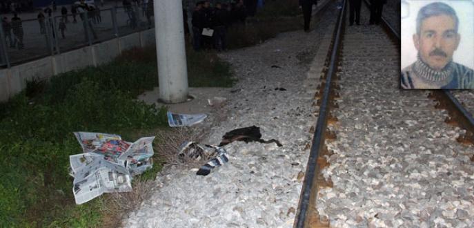 Rayların üzerinde alkol alırken tren çarptı!