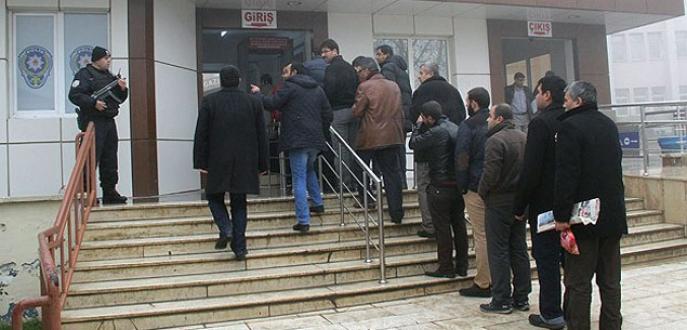 'Yasa dışı dinleme' operasyonunda 15 gözaltı