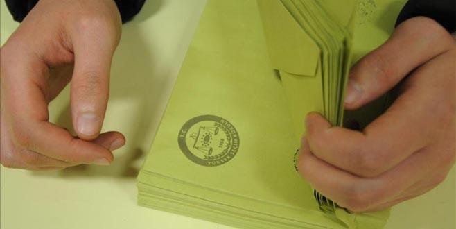 Milletvekili aday listeleri YSK'ya sunuldu