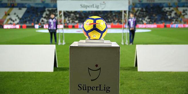 Süper Lig'de bir teknik adamla daha yollar ayrıldı