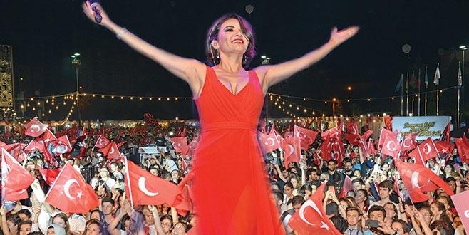 Göksel'le Bursa'da 19 Mayıs coşkusu