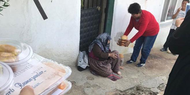 Karacabey'de her akşam bin ailenin evine iftar yemeği ulaşıyor