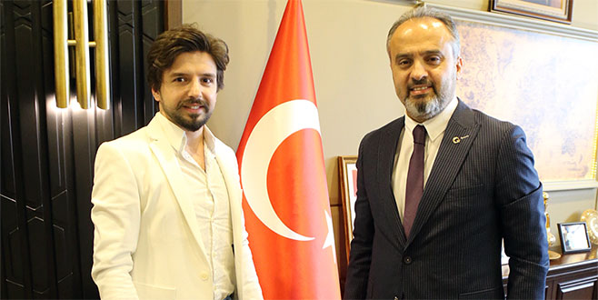 Başkan Aktaş'tan şampiyon kuaföre destek