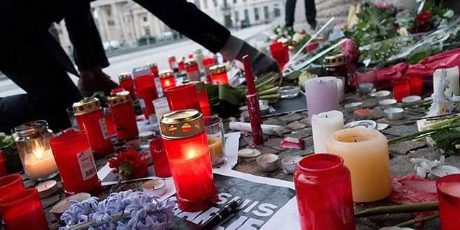 Öldürülen Müslüman polis saldırının sembolü oldu