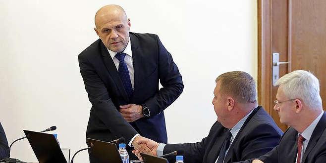 Bulgaristan'da Başbakan Yardımcısı'nın eşinden ırkçı paylaşım